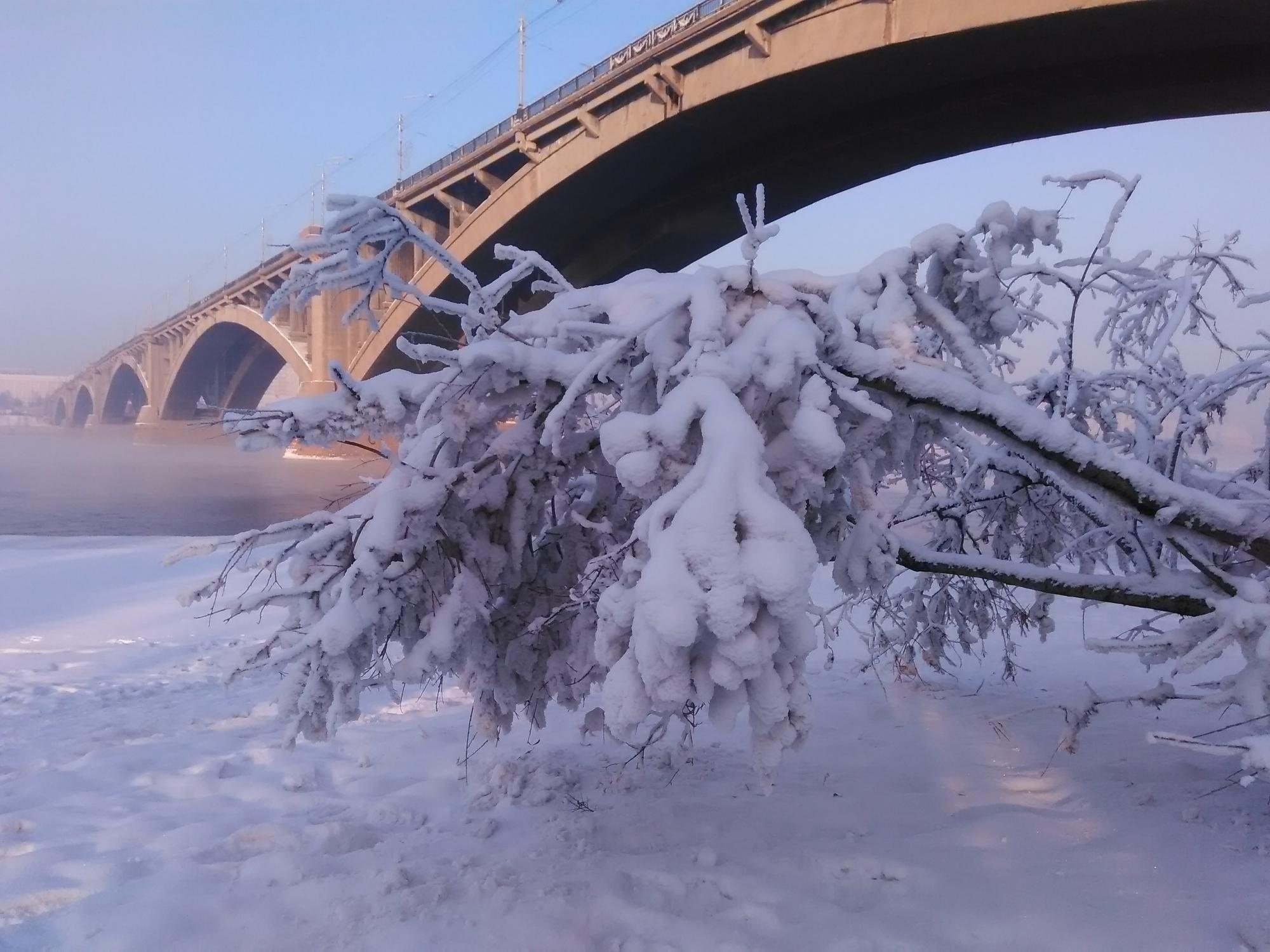На трассах Красноярска ипригорода заторы из-за мокрого снега— ГИБДД