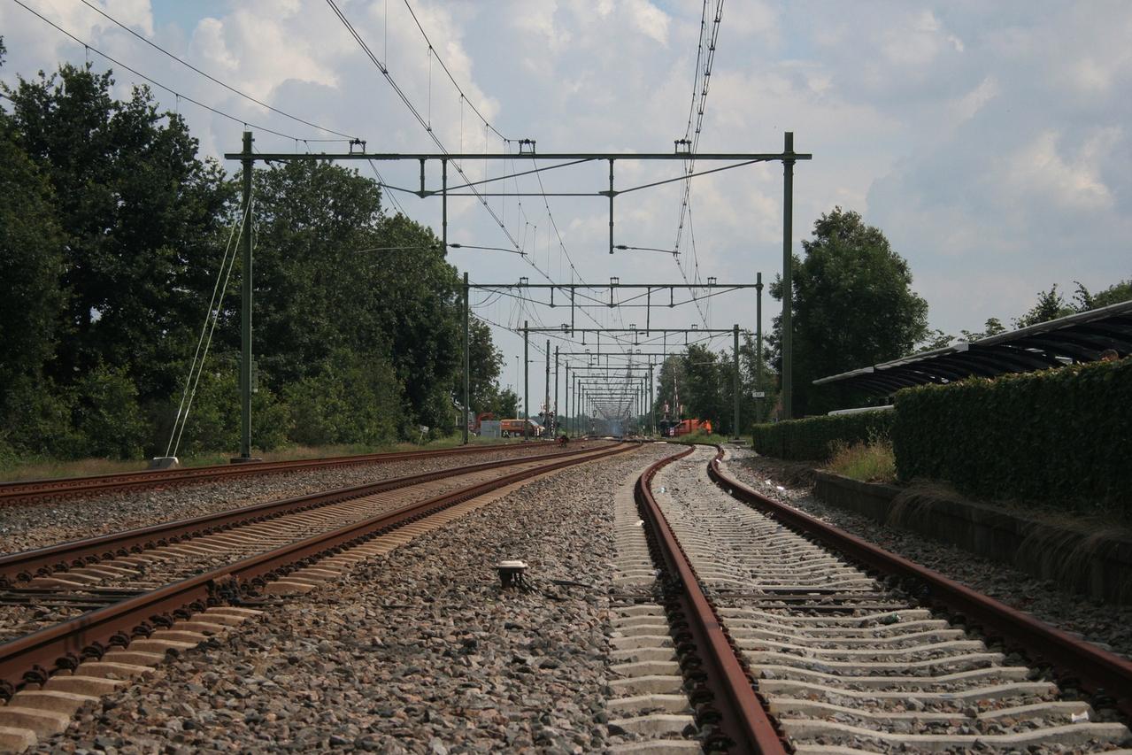 Пассажирский поезд сошел срельсов из-за брошенного квадроцикла