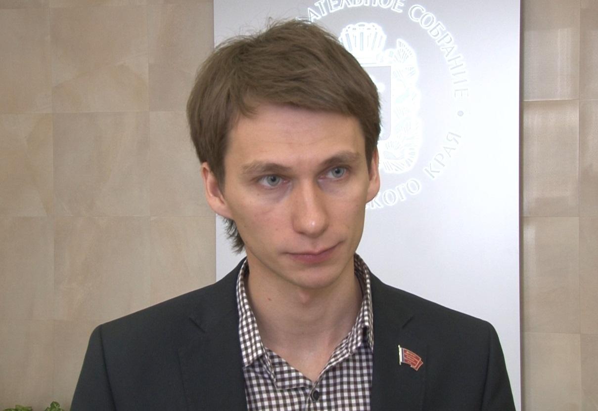 Бывший чиновник красноярского заксобрания Владимир Седов преждевременно вышел насвободу